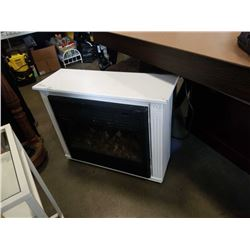 ELECTRIC FIREPLACE IN WHITE ROLLING MANTLE