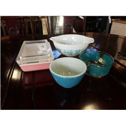 3 PYREX MIXING BOWLS AND PYREX LIDDED CASSEROLE DISH