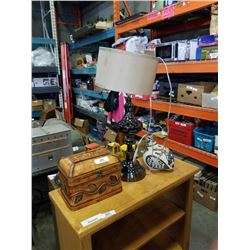 TABEL LAMP, BIRD DECORATION, WOOD BOX