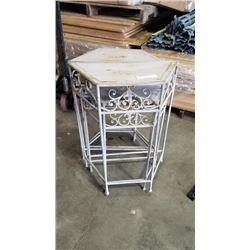4 Decorative metal nesting tables