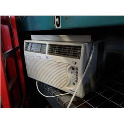 FEDDERS WINDOW MOUNT AIR CONDITIONER