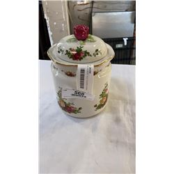 ROYAL ALBERT OLD COUNTRY ROSES BISCUIT BARREL