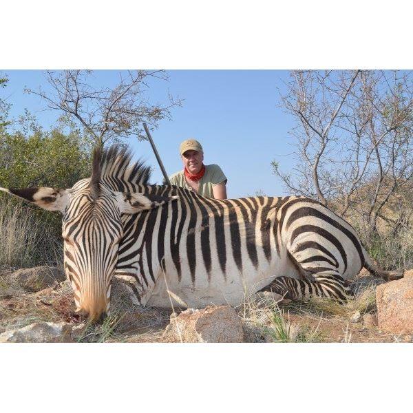 5-day Namibia Mountain Zebra, Oryx & Springbok Safari for 2 Hunters