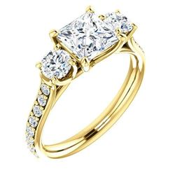 Natural 1.52 CTW 3-Stone princess Cut & Rounds Diamond Ring 18KT Yellow Gold