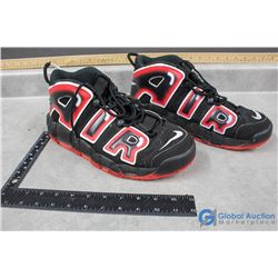 Mens Black&Red Nike Air - Size 11
