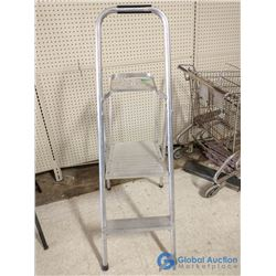 3-Step Folding Aluminum Step Ladder