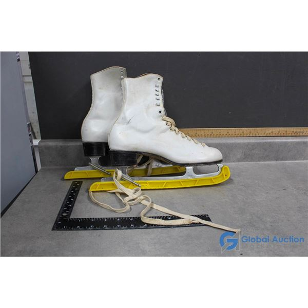 Bauer Size 10 Ladies Figure Skate with Blade Guards