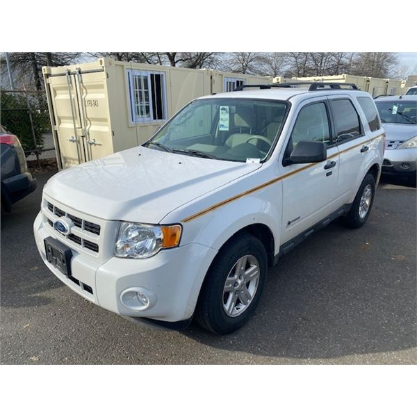 2010 FORD ESCAPE HYBRID, 4DR SUV, WHITE, VIN # 1FMCU4K3XAKC80852