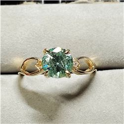 10K GREEN MOISSANITE(1.24CT) TWO DIAMONDS(0.02CT) RING SIZE 6.75