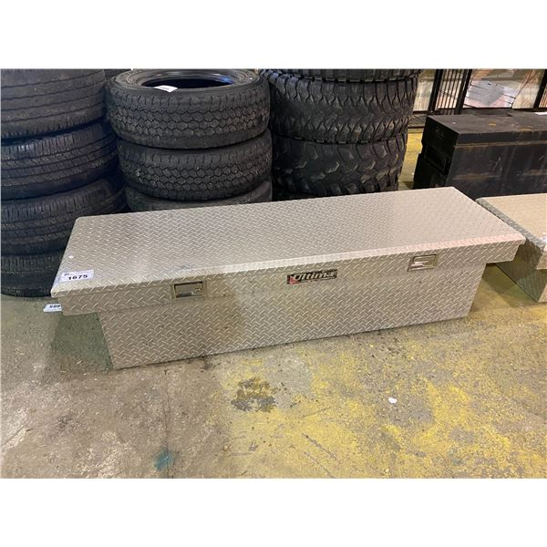 ALUMINUM CHECKER PLATE TRUCK BOX