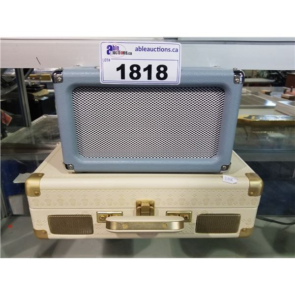CROSLEY CR3028A-TN RADIO & CROSLEY CR8005U-EF1 RECORD PLAYER