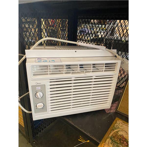 WINDOW STYLE 5,000 BTU AIR CONDITIONER