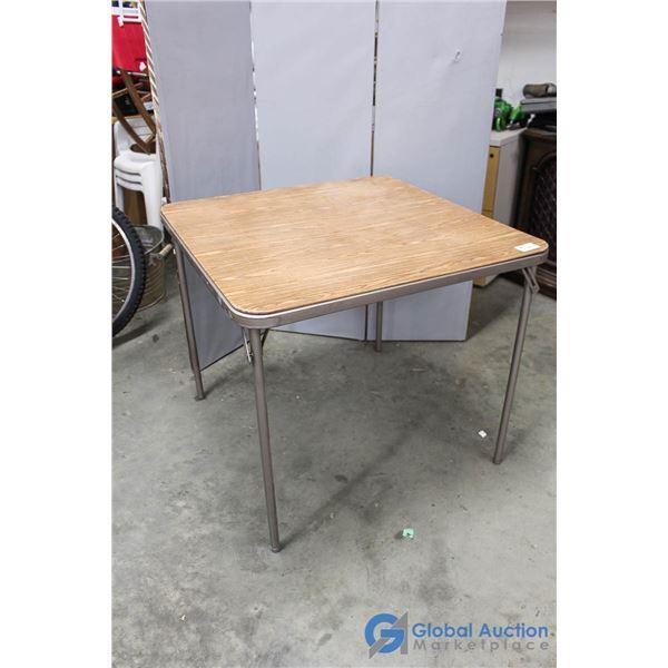 **Folding Table