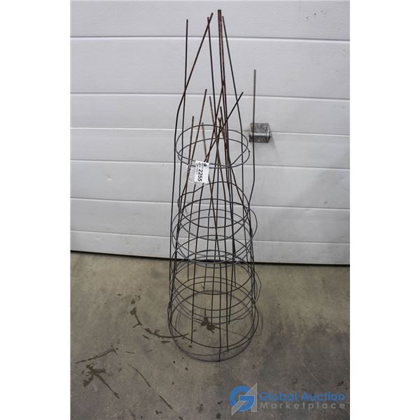 (5) Metal Tomato Cages