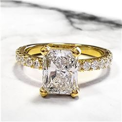 Natural 2.52 CTW Radiant Cut Diamond Engagement Ring 18KT Yellow Gold