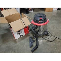 Porter-Cable 5 gallon wet dry vac in box - tested working