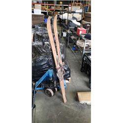 Pair of antique skiis