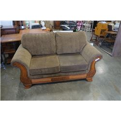 UPHOLSTERED WOOD ACCENT LOVESEAT