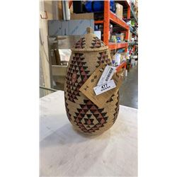 HAND WOVEN TRADITIONAL ZULU LIDDED BASKET FROM SOUTH AMERICA