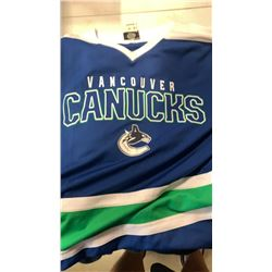 Canucks jersey adult small with kids canucks jersey and hoodie