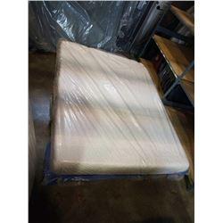 QUEENSIZE ICOMFORT INSIGHT HYDRID FOAM MATTRESS - FLOOR MODEL, RETAIL $1699