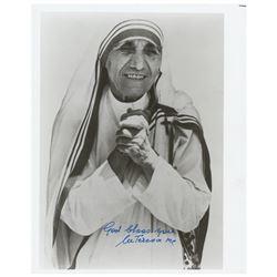 Mother Teresa Signed Photograph