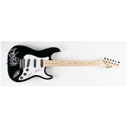 Guns N' Roses: Slash Signed Guitar