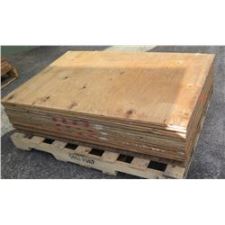"Pallet Multiple Plywood Sheets 48""L x 32"" W x 5/8"""