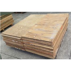 "Pallet Multiple Plywood Sheets 48""L x 24"" W  x Mix (1/2"" & 5/8"")"
