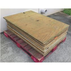 "Pallet Multiple Plywood Sheets 48""L x 34"" W x 5/8"""