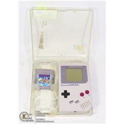 VINTAGE NINTENDO GAME BOY IN CASE/GAME