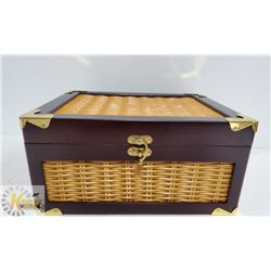 HUM -25 SEA HUMIDOR SEASIDE MAHOGANY FINISH WITH