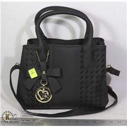WOMENS BLACK PURSE