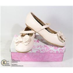 GIRLS SIZE 2/ 33 SHOES