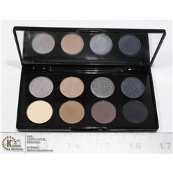 """GLO-MINERALS """"ALLOY EYES COLLECTION"""" COMPACT"""