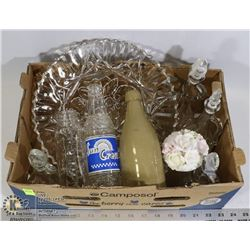 FLAT OF COLLECTIBLE BOTTLES AND SERVING DISHES