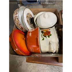 Lidded pyrex and pots and pans