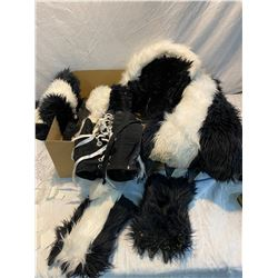 Skunk outfit