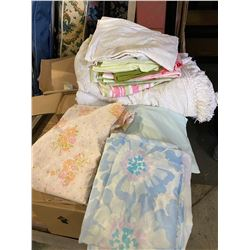 Lot of sheets and linens