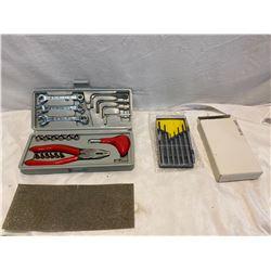 2 small tool kits