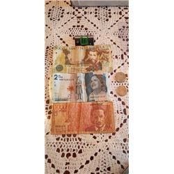 3 notes of colombia 5000 pesos 1000 pesos & 2 coins 200 pesos