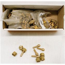 BOX OF ASSORTED BRASS TEES, HOSE SPLICERS AND