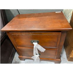 Shaker Style double door night stand ( scuffed 0n edge)
