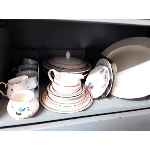 Misc lot of Dinner ware