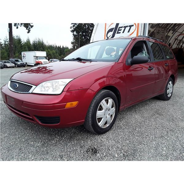 B5 --  2005 FORD FOCUS ZXW , Red , 151717  KM's