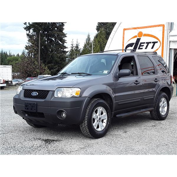 F3 --  2006 FORD ESCAPE XLT  , Grey , 200286  KM's