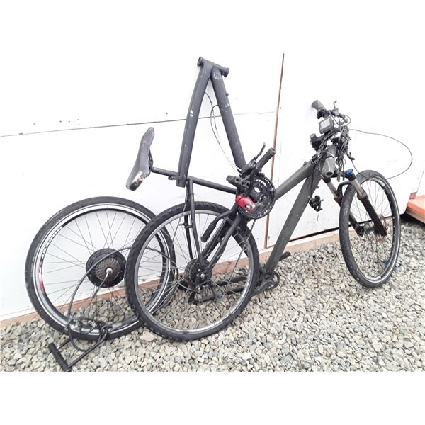 0P --  Lot of 2 bike for parts