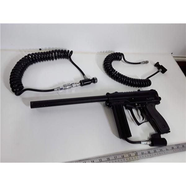 0W --  Spyder MR1 Paint Ball Gun