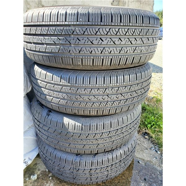 Set of 4 Continental Cross Contact 235/65R18 Tires