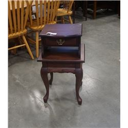 JW WOODCRAFT QUEEN ANNE STAND